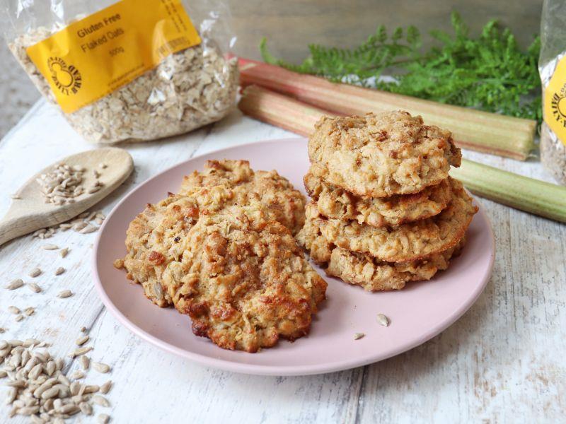Rhubarb Crumble Cookies